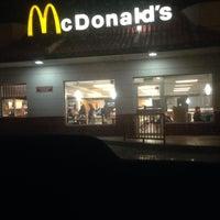 Foto tomada en McDonald's por Enrique C. el 1/11/2014
