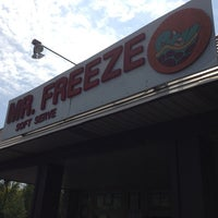 Photo taken at Mr. Freeze by Flakes on 5/17/2013