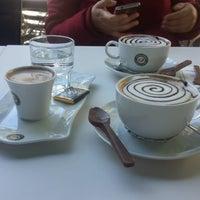 Foto tirada no(a) Kahve Durağı Şerifali por Emrah P. em 4/3/2018