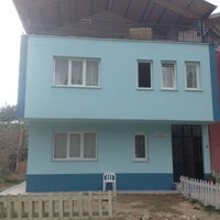 Photo taken at Fatih Vakfı Pazarlar Şubesi by Süleyman E. on 6/17/2013