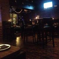 Photo prise au Wokcano Asian Restaurant & Lounge par EJ R. le10/30/2013