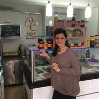 Foto tomada en CC Meze Boutique Alsancak por arzu y. el 11/20/2014