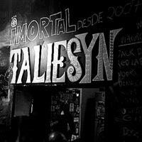 Foto tirada no(a) Taliesyn Rock Bar por Suzanne M. em 12/26/2017