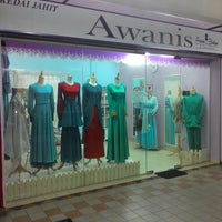 Photo taken at Awanis Boutique & Tailoring by Azry K. on 4/21/2014