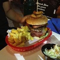 Photo taken at Hungry Cow by El mundo a la vuelta E. on 8/10/2013