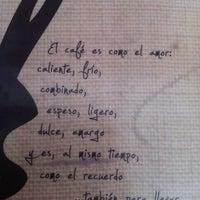Das Foto wurde bei Café de Raíz von Samantha R. am 10/7/2012 aufgenommen