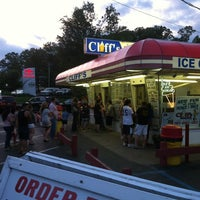 Photo taken at Cliff's Homemade Ice Cream by Stephen I. on 6/17/2013
