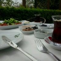 4/6/2013 tarihinde Ali M.ziyaretçi tarafından Hanedan Restaurant'de çekilen fotoğraf