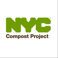Photo taken at St George Farmers Market by NYC Recycles on 8/6/2014