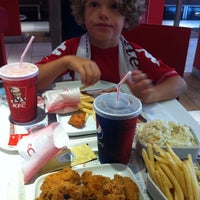 Photo taken at Kentucky Fried Chicken by Chief Ö. on 8/31/2013