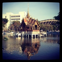 Photo taken at สระน้ำ มหาวิทยาลัยรามคำแหง by Hartfried S. on 2/9/2014