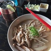 Photo taken at Itsy Bitsy Ramen And Whisky by Laura C. on 10/13/2016