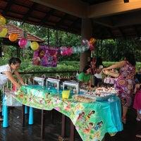 Photo taken at Club CSC @ Bukit Batok by Kristal I. on 4/21/2013