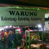 Photo taken at Warung Kelentang Kelenting Kelentung by YusAnne Y. on 5/10/2013