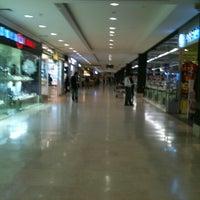 3/29/2013 tarihinde Irbas I.ziyaretçi tarafından Carrefour İçerenköy AVM'de çekilen fotoğraf
