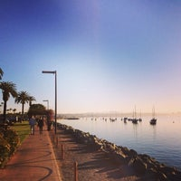 Photo prise au Shelter Island Shoreline Park par Edu R. le2/17/2014