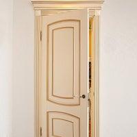 Снимок сделан в двери Viporte & Alvero пользователем Випорте А. 4/17/2013