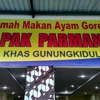 Photo taken at Ayam Goreng Pak Parman ( asli ayam kampung ) by Dody S. on 5/19/2017