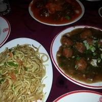 Photo taken at The Chinese Restaurant (Abu Khalil) | المطعم الصيني (أبو خليل) by Dana Q. on 3/30/2014