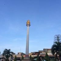 Photo taken at Alun-Alun Kota Juang by Feisal F. on 5/2/2016