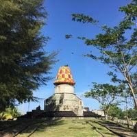 Photo taken at Monumen Kopiah Meukeutop Teuku Umar by Feisal F. on 1/1/2017