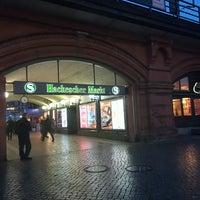 Foto scattata a Wochenmarkt Hackescher Markt da Nataia L. il 1/11/2018