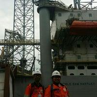 Das Foto wurde bei Jurong Shipyard von Azrul B. am 12/16/2015 aufgenommen