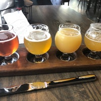 Photo prise au World of Beer par Brian D. le4/27/2018