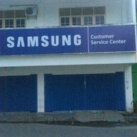 Photo taken at Samsung Service Centre by Arthur R. on 3/18/2013