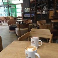 Photo taken at Gloria Jean's Coffees by eunsori on 2/24/2013