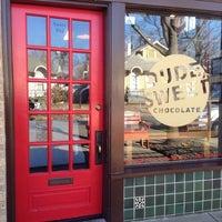 Foto scattata a Dude, Sweet Chocolate da PoP O. il 1/4/2014