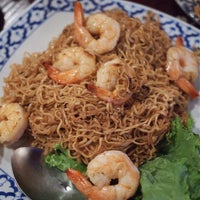 Photo taken at Noodle Boat Thai Restaurant by PoP O. on 9/15/2014
