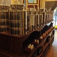 Photo prise au Old Town Oil par PoP O. le10/12/2012
