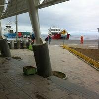 Photo taken at Transbordadora Austral Broom by José Francisco V. on 12/7/2013