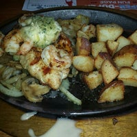Photo taken at Applebee's by Marcus R. on 11/14/2015