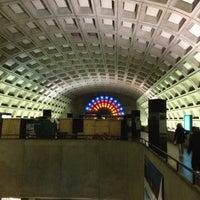 11/30/2012 tarihinde Kevin K.ziyaretçi tarafından Gallery Place - Chinatown Metro Station'de çekilen fotoğraf