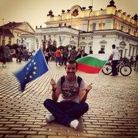 7/12/2013 tarihinde Kamen Y.ziyaretçi tarafından пл. Народно събрание (Narodno sabranie Sq.)'de çekilen fotoğraf