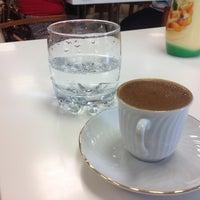 Foto tirada no(a) Tarçın Cafe & Restaurant por MeRt B. em 5/14/2013