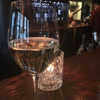Foto tirada no(a) La Compagnie des Vins Surnaturels por Mallory M. em 3/21/2016