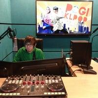 Photo taken at KLpop Radio Konti by Zainol Azuan on 4/7/2013