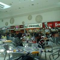 Foto tomada en Mall Plaza Alameda por Oscar M. el 11/20/2011