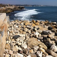 Foto tirada no(a) Passeio Marítimo de Oeiras por Nuno M. em 2/26/2012