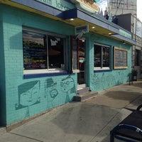 11/14/2013 tarihinde Michael L.ziyaretçi tarafından Amy's Ice Creams'de çekilen fotoğraf