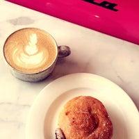 3/8/2018にSamar🐝がGeneral Porpoise Coffee & Doughnutsで撮った写真