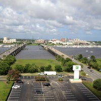 Photo taken at Holiday Inn Charleston-Riverview by rocktourist on 7/14/2013