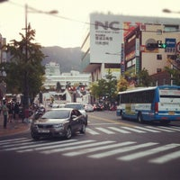 Photo taken at 부산대 맥도널드 by Joong Geon M. on 9/23/2012