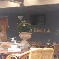 Photo taken at La Bella Pizzeria & Grill by Goidag E. on 8/1/2014