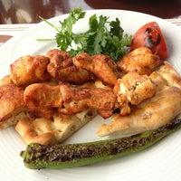 3/31/2013 tarihinde Michaela F.ziyaretçi tarafından Kebabi Restaurant'de çekilen fotoğraf