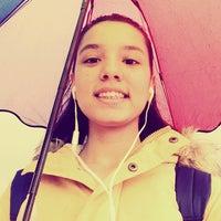Foto diambil di yağmurda yürümekte oleh Hüsna G. pada 10/27/2014