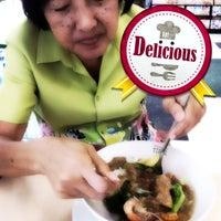 Photo taken at Im-A-Roi Restaurant (อิ่มอร่อย) by Napadol S. on 9/16/2012